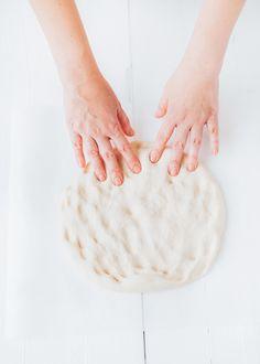 Basisrecept voor brood incl. stap voor stap beschrijving - Uit Pauline's Keuken Pizza Recipes, Bread Recipes, Basic Bread Recipe, Types Of Flour, Bread Ingredients, Whole Grain Bread, Freshly Baked, How To Make Bread, Sweet Bread
