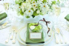 結婚式のテーブルコーディネート、どんなものが良いのかとっても悩んでしまいますよね。まずは結婚式のテーマカラーを考えてみませんか?カラーでこんなに違うテーブルコーディネート、ぜひ2人のとっておきのカラーを探してみてください。