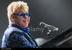 London Ontario, Canada. February 3, 2014. Sir Elton John performs in concert at Budweiser Gardens. It was his first Canadian performance of his 2014 World Tour © Mark Spowart / Alamy