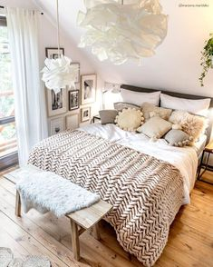 Rooms of patricinhas - Home Fashion Trend Scandi Bedroom, White Bedroom Furniture, Room Ideas Bedroom, Cozy Bedroom, Master Bedroom, Bedroom Decor, Cosy Room, Elegant Sofa, Hygge Home