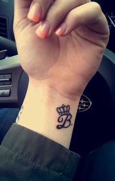Letter B Tattoo - Find Tattoos Online Jj Tattoos, Mommy Tattoos, Cute Hand Tattoos, Cute Couple Tattoos, Mini Tattoos, Unique Tattoos, Body Art Tattoos, Sleeve Tattoos, Last Name Tattoos