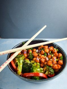 General Tso's Chickpeas | yupitsvegan.com. Sweet and savory stir-fry of chickpeas with broccoli and red pepper; a healthier version of the restaurant classic. Vegan, vegetarian and gluten-free.