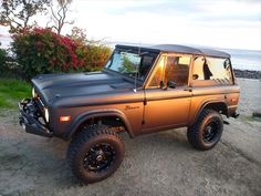 LEGEND FORD BRONCO CLASSIC EARLY BRONCO