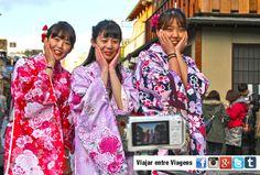 Gion é o bairro de entretenimento mais famoso de Quioto, quer no sentido tradicional, quer no sentido moderno. As ruas congestionadas de trânsito, os sinais de néon, as lojas e os estabelecimentos de diversão nocturna, contrastam com as ruas ladeadas de casas de madeira, as casas de chá, e as ocasionais gueixas que se deixam …