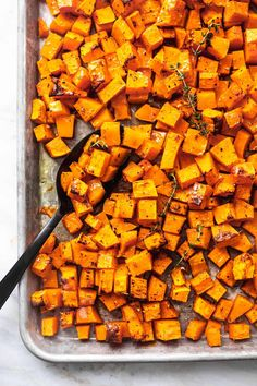 Easy healthy oven Roasted Butternut Squash recipe | lecremedelacrumb.com Vegetable Sides, Vegetable Side Dishes, Oven Roasted Butternut Squash, Oven Squash, Best Butternut Squash Recipe, Butternut Squash Cubes, Paleo, Food Dishes, Cooking Dishes