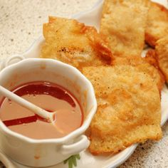 Crab cheese rangoon are one of the most popular items on American Asian restaurant menus. Asian Appetizers, Appetizers For Party, Appetizer Recipes, Wonton Recipes, Crab Recipes, Party Recipes, Yummy Appetizers, Yummy Recipes, Beignets