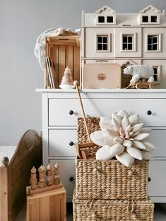 kidsroom, toys, decor, baby's room, wooden toys - Modern Baby Girl Items, Colorful Bedding, Childrens Room Decor, Girls Bedroom, Bedroom Ideas, Nursery Neutral, Kidsroom, Kid Spaces, Wooden Toys