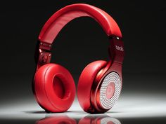 Beats Pro White 2012 hottest selling product, more discounts and promotions at enjoybeatbydr.com.