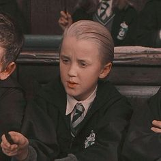 Harry Potter And The Sorcerer's Stone Draco Harry Potter, Harry Potter Tumblr, Harry Potter Icons, Mundo Harry Potter, Harry Potter Pictures, Harry Potter Memes, Harry Potter World, Draco Malfoy Aesthetic, Harry Potter Aesthetic