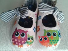 buhos Painted Canvas Shoes, Painted Toms, Hand Painted Shoes, Painted Clothes, Little Girl Shoes, Baby Girl Shoes, Girls Shoes, Owl Shoes, Tye Dye
