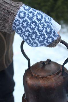 #strikkeoppskrift #strikkedilla #halvvott Winter Hats, Knitting, Pattern, Tricot, Breien, Patterns, Stricken, Weaving, Knits