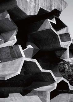 Architectural Fashion Fusions : Modern Weekly China