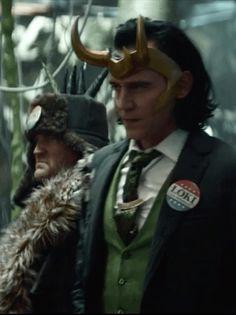 Loki Avengers, Loki Marvel, Loki Whispers, Daddy Issues, Tom Hiddleston Loki, Loki Laufeyson, Tom Holland, Cute Guys, Spiderman