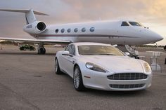 Of course I have a matching Aston Martin for my private jet! Jets Privés De Luxe, Luxury Jets, Luxury Private Jets, Private Plane, Ferrari California, Avion Jet, Jet Privé, Automobile, Porsche