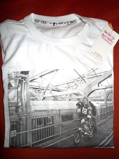 T-shirt by LE_M@SC on Etsy / photo in New-York #NYC #Halloween #BMX