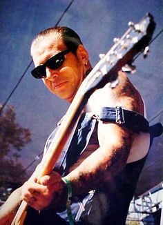 Mike Ness has got to be one of the sexiest guys in the universe. Mike Ness, Sick Boy, Social Distortion, Rockabilly, Sexy Men, Singer, Guys, Music, Overalls