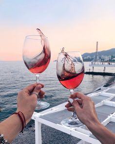 17 Funny and Relatable Wine Quotes Wine Photography, Foto Casual, Wine Quotes, Photo Couple, In Vino Veritas, Summer Aesthetic, Wine Time, Summer Vibes, Summertime