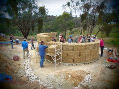 Roundhouse build: foundations and walls - Milkwood: permaculture courses, skills + stories