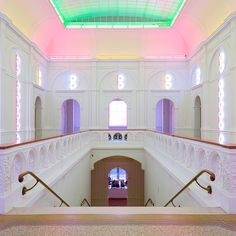 1,162 vind-ik-leuks, 12 reacties - Stedelijk Museum Amsterdam (@stedelijkmuseum) op Instagram: 'Dan Flavin (1933 – 1996) was #BornOnThisDay! In 1986, the American artist created a large-scale…'