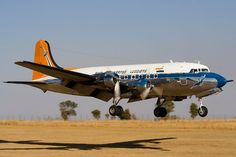 Aircraft Interiors, History Photos, Planes, Aviation, Engineering, African, Vehicles, Vintage, Art