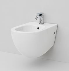FILE, The.Artceram collection  design Meneghello Paolelli Associati. Wall- hung bidet.