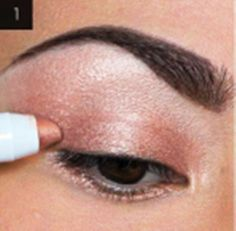 Awesome Makeups Gallery Amazing Hair Styles Unique Makeup Makeup Lessons Beauty And Makeup: How To Get Dramatic Gold Glitter Eyes Awesome Make...