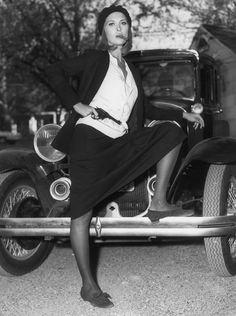 Faye Dunaway/ as Bonnie Parker in the movie Bonnie & Clyde. Bonnie Parker, Bonnie Clyde, Bonnie And Clyde Movie, Faye Dunaway, Bonnie And Clyde Pictures, Thelma Y Louise, Cinema Tv, Ann Margret, Tomboy Fashion
