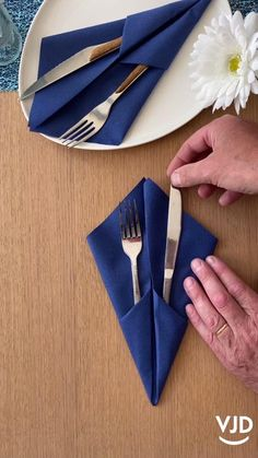 Diy Crafts Hacks, Diy Home Crafts, Sewing Crafts, Dining Etiquette, Food Decoration, Simple Table Decorations, Simple Centerpieces, Balloon Decorations, Birthday Party Decorations