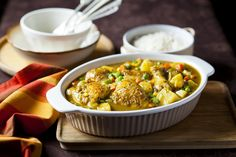Mandisas' Spicy Chicken and Veg Sishebo Chicken Vegetable Stew, Chicken And Vegetables, South African Recipes, Ethnic Recipes, Chicken Masala, Chicken Curry, Curry Recipes, Spicy, Meals