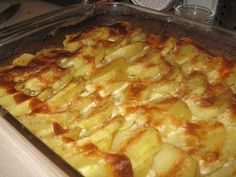 Potatoes au gratin is worth two pins - this one gluten free and with nutmeg instead of cayenne (but why not both?)