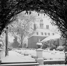 Black and White Palace Snow...a brief accout of sever winters in Virginia's past ...