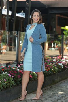 Classy Work Outfits, Simple Outfits, Chic Outfits, Dress Outfits, Casual Dresses, Modest Fashion, Women's Fashion Dresses, Yellow Skirt Outfits, Pretty Black Dresses