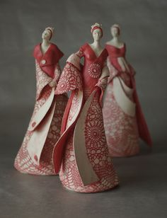 """Madames"" By: Jeanne-Sarah Bellaiche Ceramic Figures, Clay Figures, Pottery Sculpture, Sculpture Clay, Paper Clay, Clay Art, Paper Mache, Ceramic Clay, Ceramic Pottery"