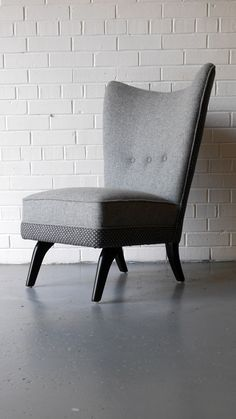 Howard Keith 'Encore' chair for bespoke upholstery (RESERVED) - sweet-vintage Mid Century Chair, Mid Century Furniture, Retro Furniture, Antique Furniture, Cool Chairs, Dining Room Chairs, Outdoor Chairs, Accent Chairs, Upholstery