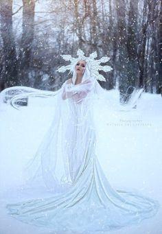 Photo Snow Dress, Dress Up, Fantasy Photography, Creative Photography, Ice Dresses, Wedding Dresses, Ice Queen Costume, Fairytale Fashion, Fantasy Dress