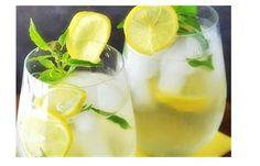 La bevanda che vi proponiamo di seguito presenta una caratteristica importante: aiuta a perdere peso e a disintossicare il corpo. E' molto indicata per le persone che sono a dieta. Ma è molto poten…
