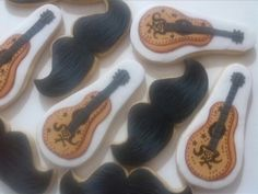 Mostachos y guitarras Mexicanos