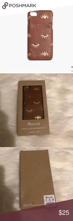 MADEWELL LEATHER CARRYALL CASE FOR IPHONE 7 Beautiful and stylish! NWT! Made of semi-vegetable tan leather with a softly waxed finish that deepens into a distinctive patina. Leather case for your iPhone 7, with slots for your cash and cards. Winking eye edition. Color: English Saddle. No trades. 01722213990 (FIRST PICTURE IS STOCK PHOTO) New in box. Madewell Accessories Phone Cases