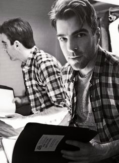 Zachary Quinto reading the glass menagerie script