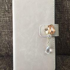 iPhoneケース欲しいのなかったから作った うまくできた(≧∇≦)♪お気に入り #iPhone手帳 #iphone手帳型ケース #ビジュー #ハンドメイド #オリジナル #パーツクラブ ...