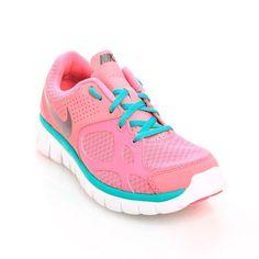 $1,124.00 Tenis #Nike - La suela es ergonómica y ayuda a que tu paso sea más estable. El interior es suave y confortable, la cubierta es ligera y permite el flujo de aire. Perfectos para realizar ejercicio o correr.