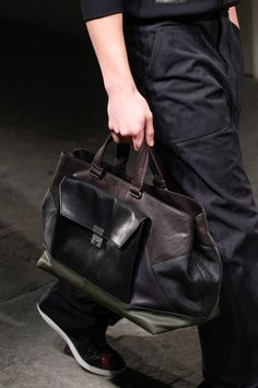 Bottega Veneta Spring 2017 Ready-to-Wear Accessories Photos - Vogue