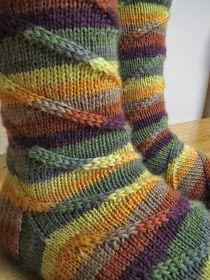 Puikkosirkus: Down the rabbit hole socks Knitted Boot Cuffs, Knit Boots, Knitted Slippers, Wool Socks, Crochet Socks, Knit Or Crochet, Knitting Socks, Hand Knitting, Knitting Patterns