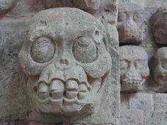 Another Mayan Skull Aztec Religion, Importance Of Art, Colombian Art, Aztec Culture, Inka, Aztec Art, Mesoamerican, Mexican Art, Old Art