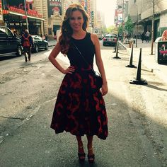 Ingrid Coronado, sonriente y estilosa en Nueva York