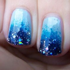 Sparkle blue nail art omg yuppppppppppppppppp would do it!!!!!:)<3