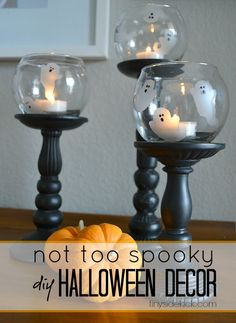 A list of amazing DIY Halloween Decorations. Find outdoor, party, yard or kids diy halloween decorations and ideas from this extensive list. Diy Halloween Dekoration, Halloween Home Decor, Halloween Kostüm, Holidays Halloween, Halloween Decorations, Hallowen Ideas, Manualidades Halloween, Diy Décoration, Sell Diy
