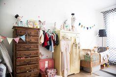 eclectic-vintage-kids-room