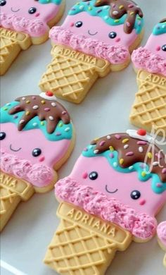 I can't believe it's already June! to these cute kawaii ice cream cones I made for my niece's birthday last year. Ice Cream Cookies, Fancy Cookies, Iced Cookies, Cute Cookies, Royal Icing Cookies, Ice Cream Theme, Ice Cream Party, Kawaii Cookies, Biscuits