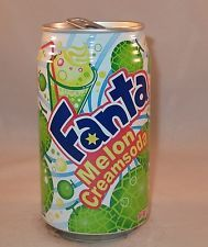 Fanta can - Japan - Melon Cream Soda Bomb Drinks, Fun Drinks, Yummy Drinks, Beverages, Unique Desserts, Unique Recipes, Starbucks Drinks, Coffee Drinks, Alcoholic Drinks To Make